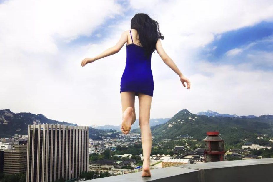 УМукачеві жінка через сварку із чоловіком стрибнула здаху багатоповерхівки