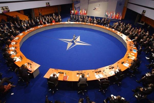 НАТО визнало блокування російських сайтів питанням нацбезпеки України