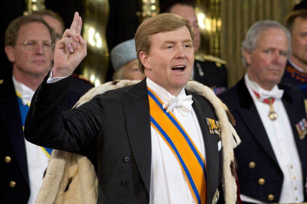 Монарх  Нидерландов признался, что тайно работает пилотом пассажирского самолета