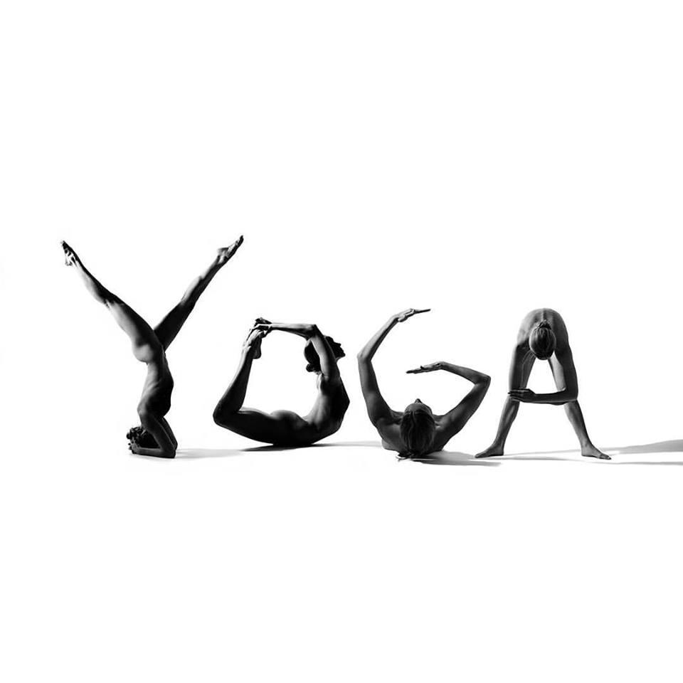 гола йога для дівчат