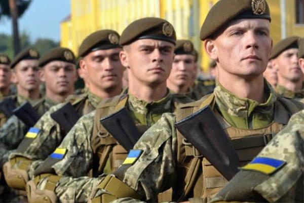 Полторак підписав наказ про призов офіцерів запасу ЗСУ
