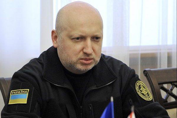 Турчинов закликає ввести візовий режим зРФ