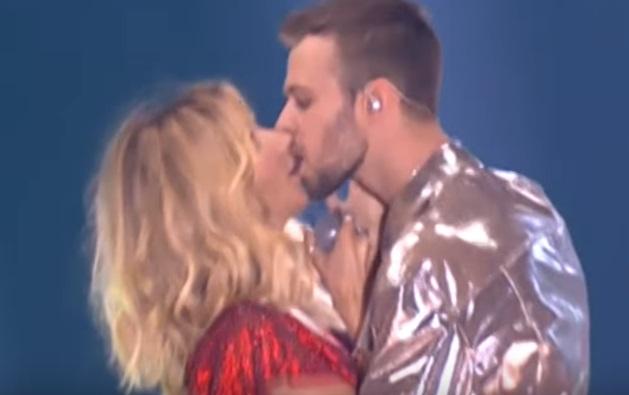Видео длительного поцелуя с дальнейшим сексом — img 8