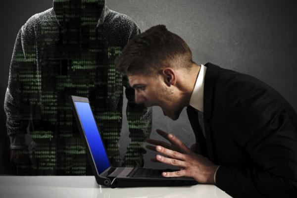 Загрузчик вредоносногоПО инфицирует компьютер без клика мышью