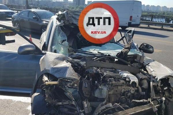 Жуткое смертельное ДТП парализовало мост Патона