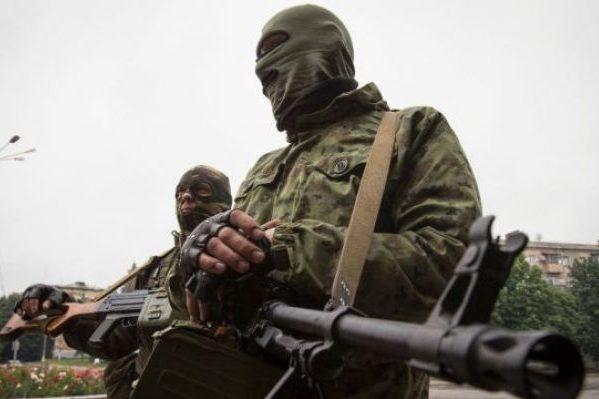 Терористи упершийже день порушили перемир'я взоні АТО,— РНБО