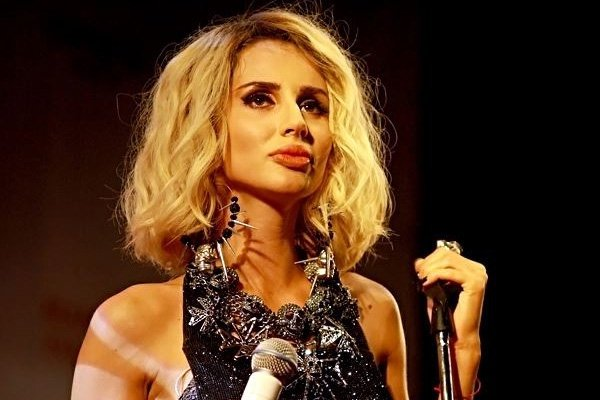 Популярна українська співачка виступила навесіллі дітей олігархів зРосії