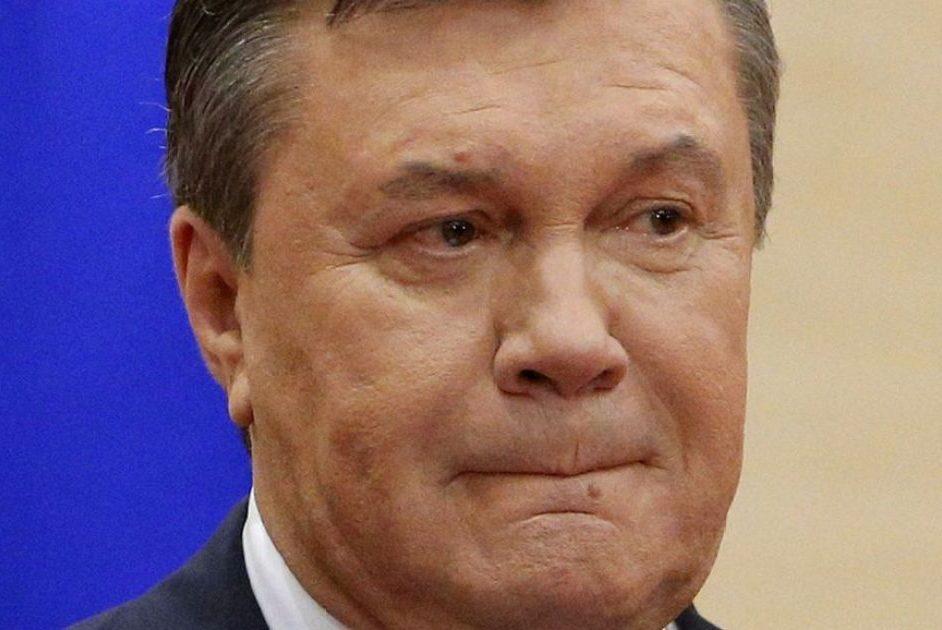 Янукович заявив, що відкликав своїх адвокатів із суду