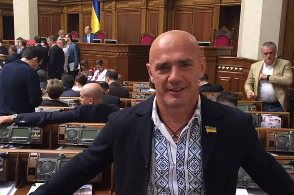 Народный депутат Константиновский решил сложить полномочия