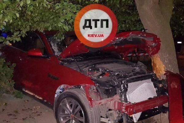 УКиєві п'яний співробітник поліції збив двох пішоходів і спробував втекти