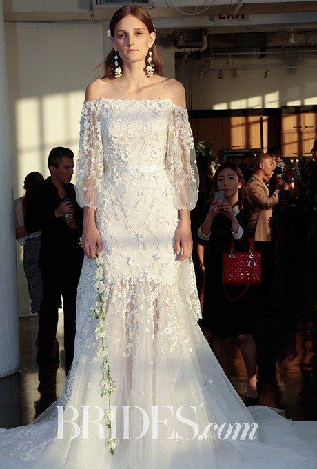 a030461f42ad80 Такий фасон додає навіть простій сукні відчуття винтажа. Романтичні сукні  зі спущеними плечима додадуть образу елегантності. А квіткове мереживо  наповнить ...