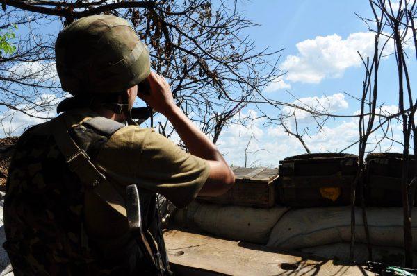 НаСвітлодарській дузі стався важкий бій, позиції бойовиків горять