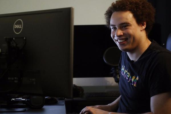 Остановивший вирус WannaCry британский программист освобожден под залог