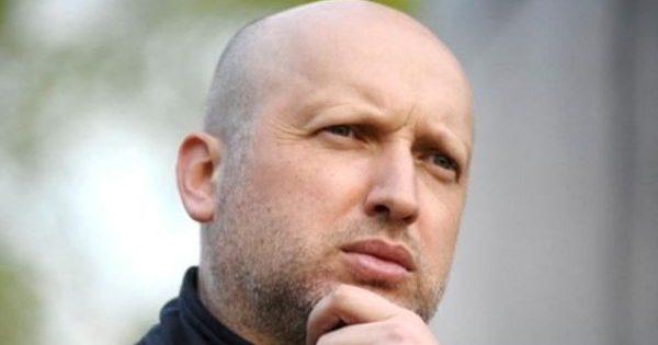 Турчинов поведал, почему Украина не ведет войну сРоссией