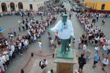 В Одесі 2 тис. людей утворили вишиванковий ланцюг