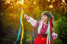 [:ua]Українське - в моді! Як вишиванки, тату та кіно стали трендом[:ru]Украинское - в моде! Как вышиванки, тату и кино стали трендом[:]