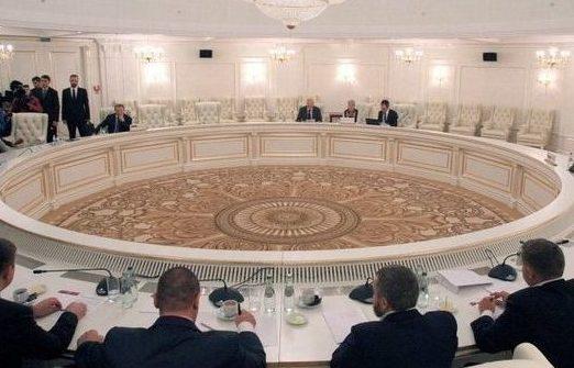 Украина созывает экстренную конференцию— Террористы срывают перемирие