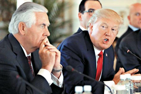 ЗМІ: Трамп незадоволений роботою держсекретаря Тіллерсона