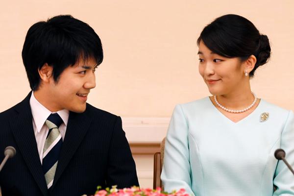 Японская принцесса Мако лишится всех титулов после свадьбы с простолюдином