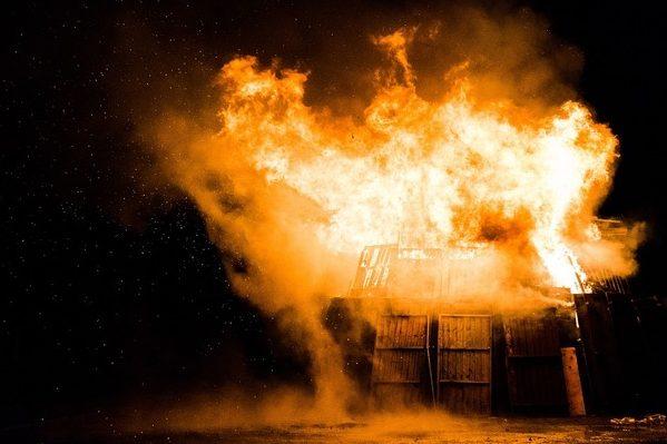 УЧехії натериторії військового комплексу прогримів вибух, є жертви