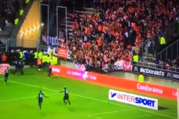 УФранції під час футбольного матчу завалилася трибуна зглядачами