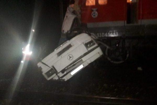 УРосії потяг врізався вавтобус, загинули 17 осіб
