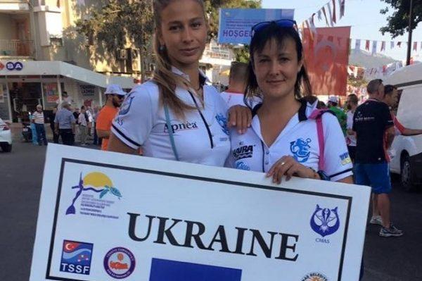 Українка Жаркова пірнула без спорядження на глибину 70 метрів, встановивши світовий рекорд - Цензор.НЕТ 8910