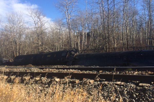 УКанаді перекинувся потяг із нафтою: Жителів 46 будинків евакуювали