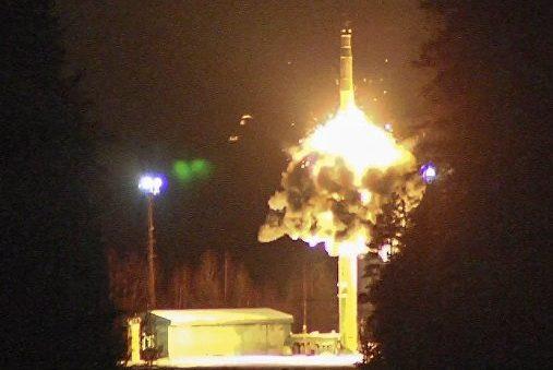 Путін нанавчаннях запустив чотири балістичні ракети
