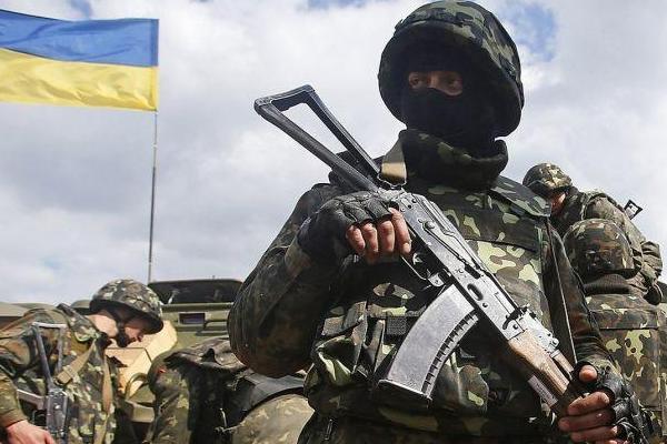 Боевики сфокусировались надонецком направлении, ранены 2 солдата — АТО