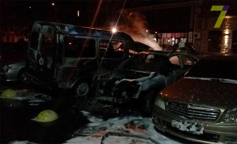 Згоріли авто