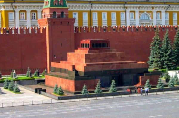 ВРПЦ призвали наложить мораторий натему захоронения Ленина