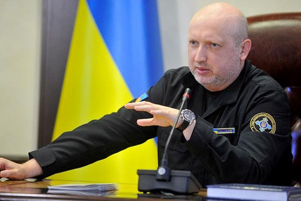 РФстягивает войска кгранице Украины ввиде миротворцев ООН,— СНБО