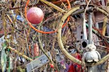 Как мусор становится искусством – захватывающие арт-объекты из вторсырья