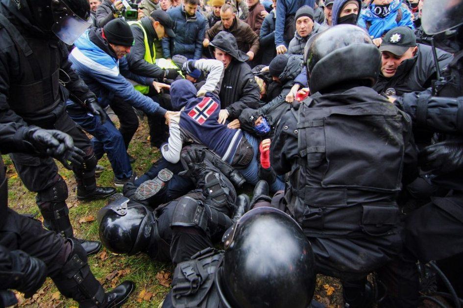 Главе здешней милиции разбили голову— Протесты вОдессе
