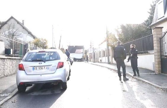 УФранції поліцейський застрелив 3 людини і покінчив зсобою через дівчину