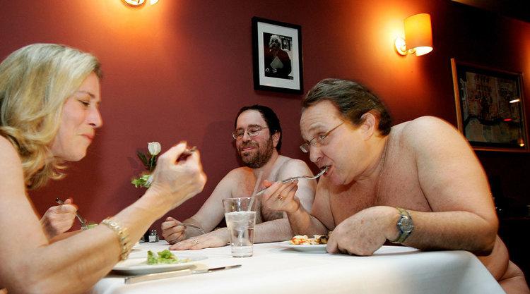 Фото голих нудистів