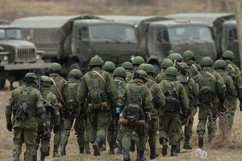 Росія розгортає свої війська поблизу українського кордону— РНБО