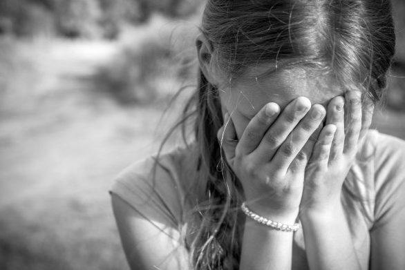 ВОмске 12-летняя школьница забеременела отсвоего отца