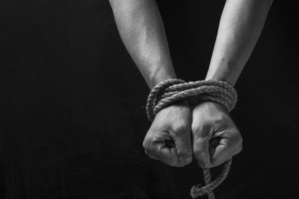 ВТернополе подростки взяли вплен товарища задолг в15 грн
