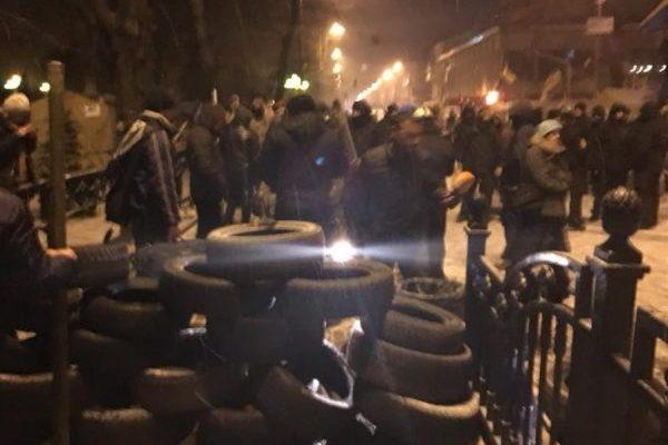 Саакашвили сказал о нападении напалаточный лагерь около Рады