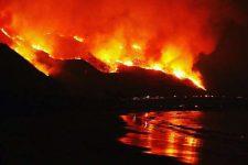 Пекло на землі! Фото очевидців каліфорнійських пожеж