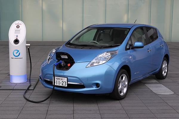 Рада отменила НДС иакциз наимпорт электромобилей