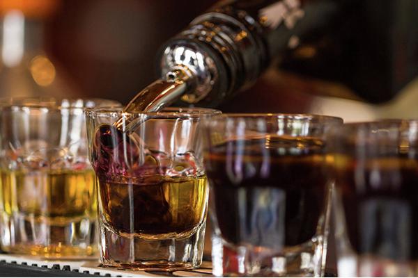Новосибирские ученые: цирроз печени вызывает контрафактный спирт