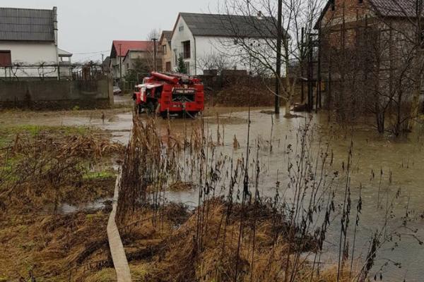 НаЗакарпатті 12 тис людей залишились без води внаслідок паводку