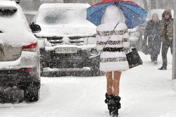 ВКиеве запретили заезд крупногабаритного транспорта из-за снегопада