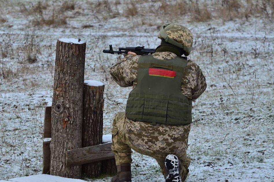 Боевики усилили обстрелы иубили воина АТО— Перемирие