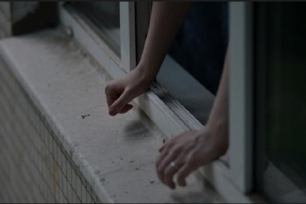 УЗапоріжжі чоловік викинувся з вікна тавпав нахлопчика, загинули обидва