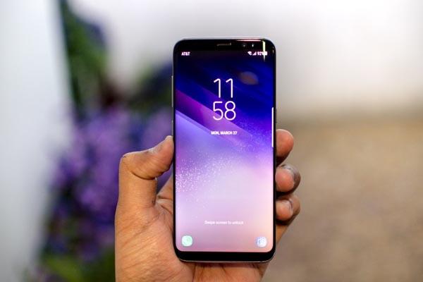 Експерти обрали найкращий смартфон 2017 року