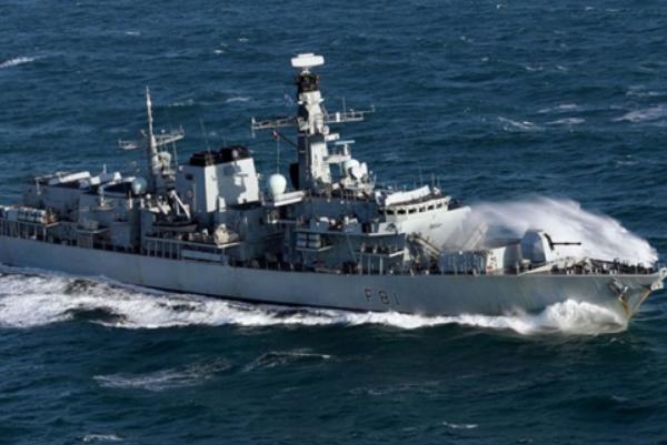 Фрегат Англии отправился наперехват русских кораблей